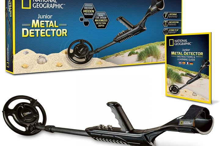 """National Geographic Kids Metal Detector Pro is a best kids detector which has 7.5"""" waterproof dual coil has adjustable sensitivity with low cost."""