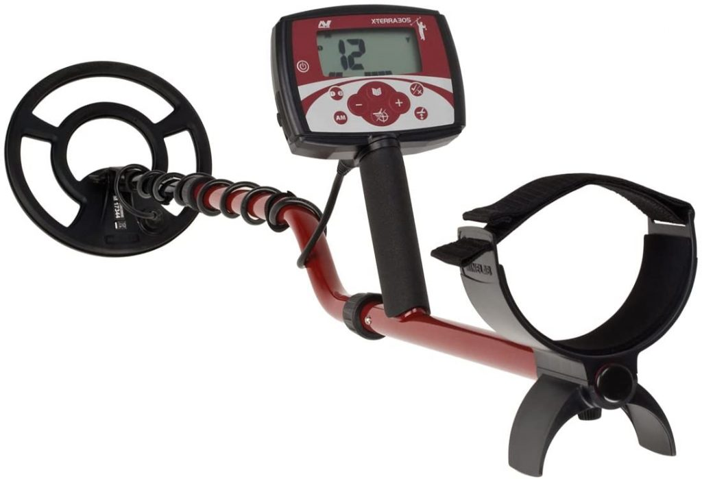 Minelab X-TERRA 305 Metal Detector is a best biginner metal detector which has Noise Cancel function, Accurate Ground Balance capability with low price.