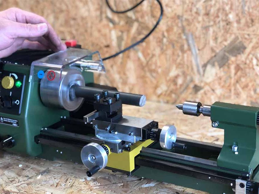 How to use metal lathe